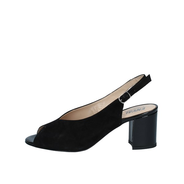 Enval With Heel Black