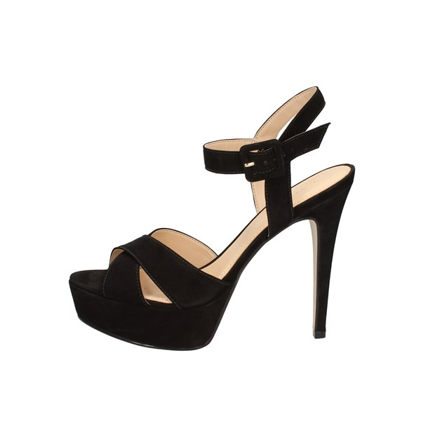 Tabita With Heel Black