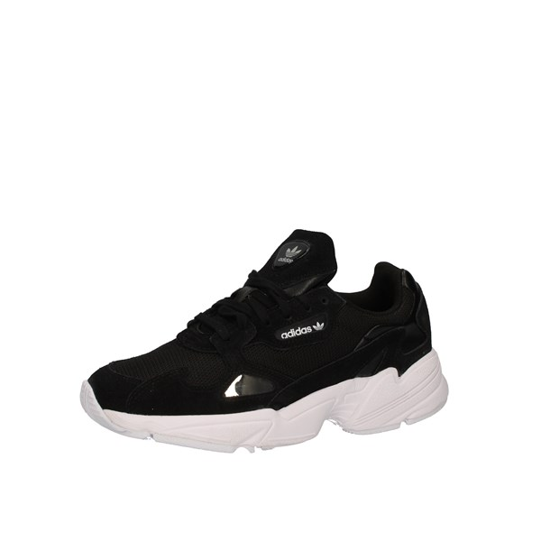 Adidas Shoes Woman low Black B28129